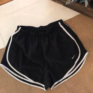 Nike Dri-Fit Black/White Tempo Short EUC